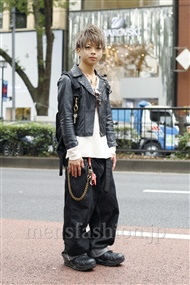ファッションコーディネート原宿・表参道 2011年10月 佐藤貴龍さん