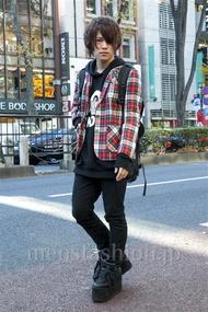 ファッションコーディネート原宿・表参道 2013年12月 夏川登志郎さん