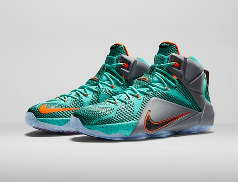 NIKE LEBRON 12 front side